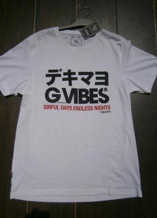 Новая белая футболка с надписью