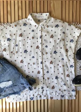 Крутая белая рубашка в звезды mango
