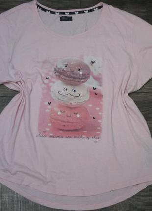 Нежно-розовая футболка с макарунами - l