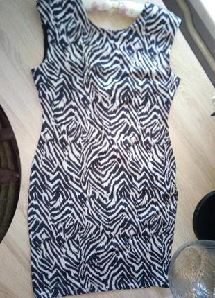 Силуэтное модное платье h&m