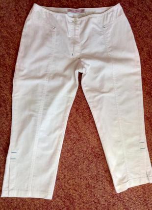 Белые летние бриджи, длинные удлиненные шорты