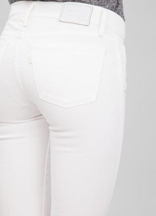 Брендовые белые джинсы