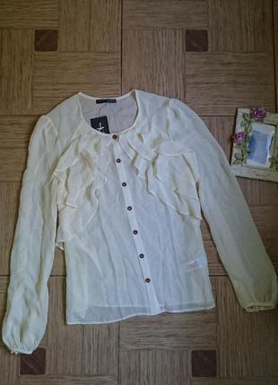 Красивая нюдовая блузка с воланом, блуза, блузочка