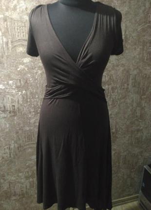 Трикотажное платье шоколадного цвета, размер м