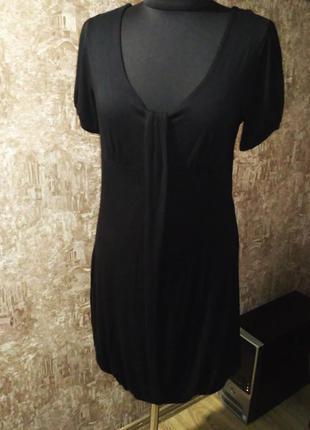 Лаконичное черное платье,  размер м