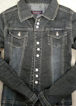 Можная женская джинсовая куртка