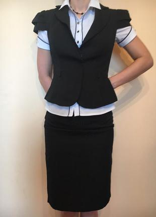 Элегантный костюм ( юбка+жилет).