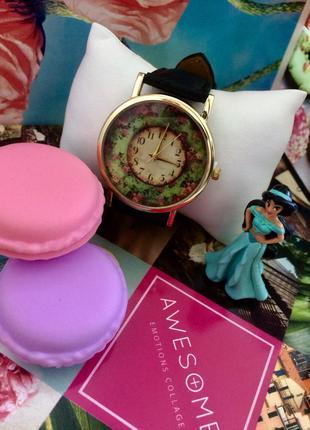 Часы geneva с кожаным ремешком черного цвета (цветочный принт)