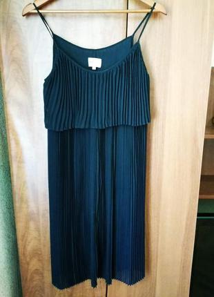 Легкое плиссированное платье