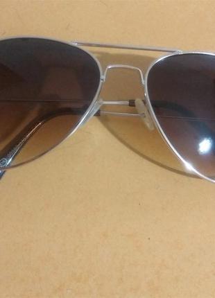 Шикарные очки капельки в золотой оправе с коричневыми дымчатыми стеклами