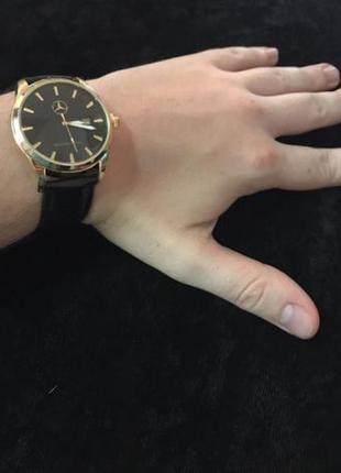 Новые наручные часы mercedes-benz