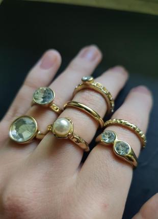 Кольцо золотое бижутерия