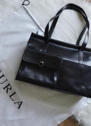 Чёрная кожаная сумка furla из натуральной кожи италия