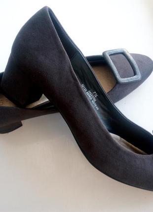 Туфли на широком каблуке m&s 41 размер