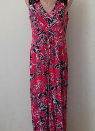 Длинное трикотажное платье с принтом и кружевом