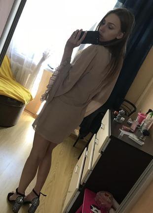 Нежное короткое платье miss selfridge