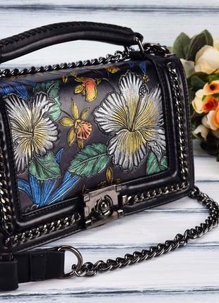 Эксклюзивная сумочка с декором (тиснение на коже)