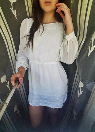 Нежное шифонове платье с кружевом