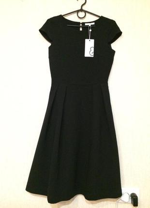 Красивое элегантное платье mint&berry