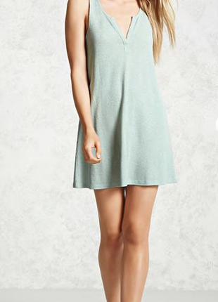 Легкое фисташковое платье