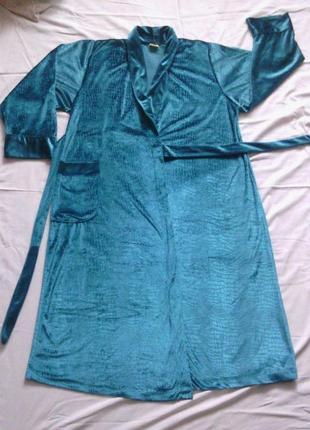 Зеленый велюровый халат