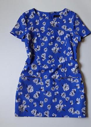 Васильковое платье в цветочный принт