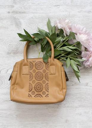 Компактна легка сумочка