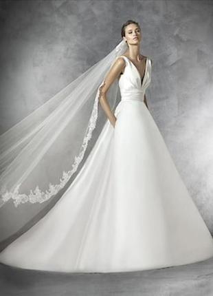 Испанское свадебное платье.