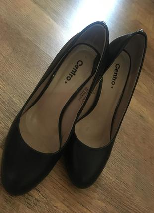 Туфли на каблуке классика 36/37 размер