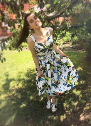 Шикарное платье сарафан в попугаях/ размер м