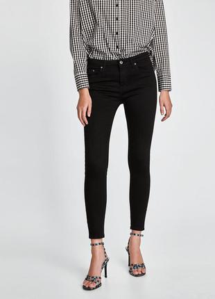 Черные брюки скини слим джинсы zara trafaluc