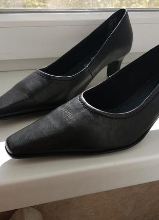 Туфли tamaris! кожа! германия! 39р!