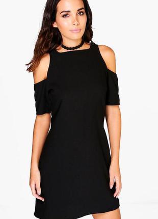 Новое черное платье с вырезами на плечах boohoo