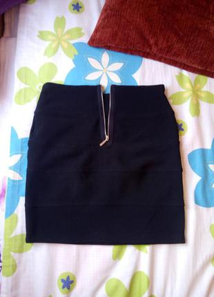 Классическая чорная юбка 36 размер