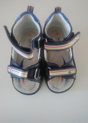 Босоножки, сандали. ортопедическая стелька