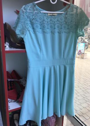 Нарядное платье мятного цвета