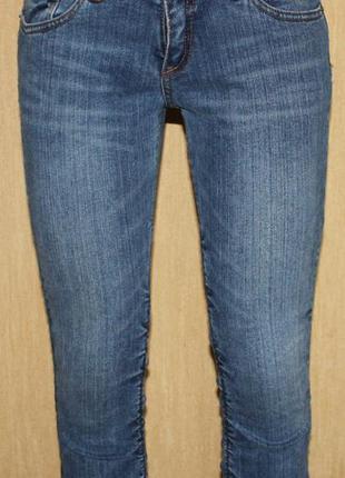 Стильные  капри бриджи джинс стрейч, голубая варка с драпировкой,  madonna 38/m