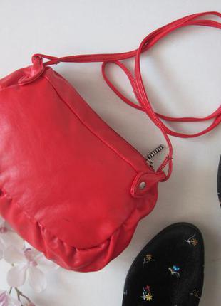 afc2ae7508a0 Красная сумочка через плечо небольшая маленькая сумка cross body на длинном  ремешке1 фото ...