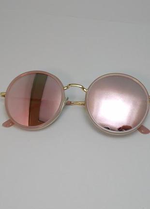 Круглые пудровые солнцезащитные очки в золотой оправе цвет пудра бежевые розовые
