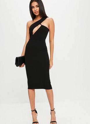 Черное миди платье на одно плечо