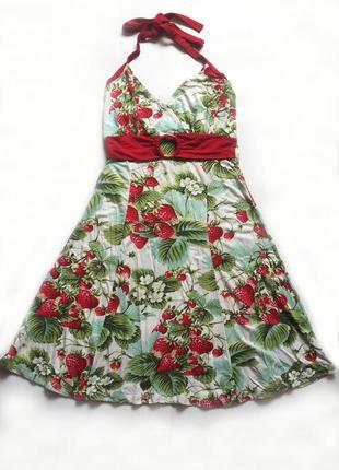 Ніжне плаття в полунички/платье
