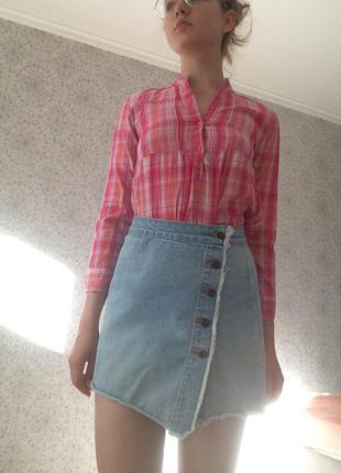 Нежно-голубая джинсовая юбка на пуговицах