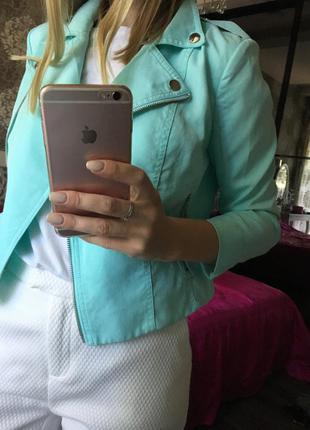 Пиджак очень красивого цвета