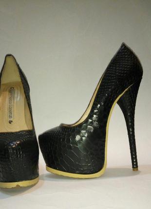 Туфли под рептилию gianmarco lorenzi