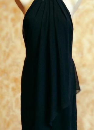 Изящное короткое черное платье от laona