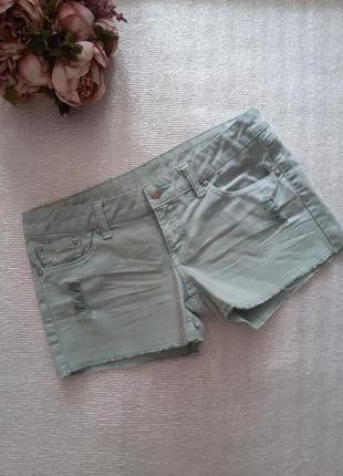 Мятные короткие джинсовые шорты с потертостями mango