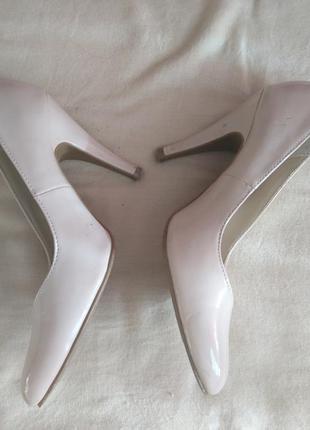 Кожаные туфли женские лаковые р. 36