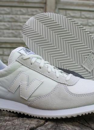 Белые кроссовки женские в Ровно 2018 - купить по доступным ценам ... c8ff48f1903