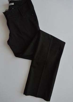 Классические черные брюки прямые со стрелками