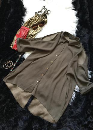 Удлиненная рубашка с открытыми плечами и оригинальной спиной хаки